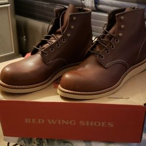 Red Wing Boots Heritage** NWT** NEVER PUT ON **NWT